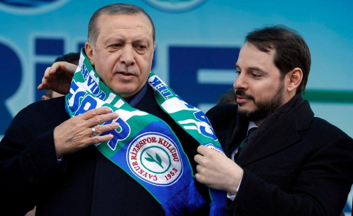 Recep Tayyip Erdogan baut auf seinen Schwiegersohn Berat Albayrak. Das Finanzministerium könnte nur ein Zwischenschritt sein. – (c) Reuters